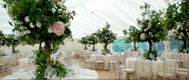 QUINTESSENTIAL ENGLISH WEDDING LUXURY FLOWERS TATLER