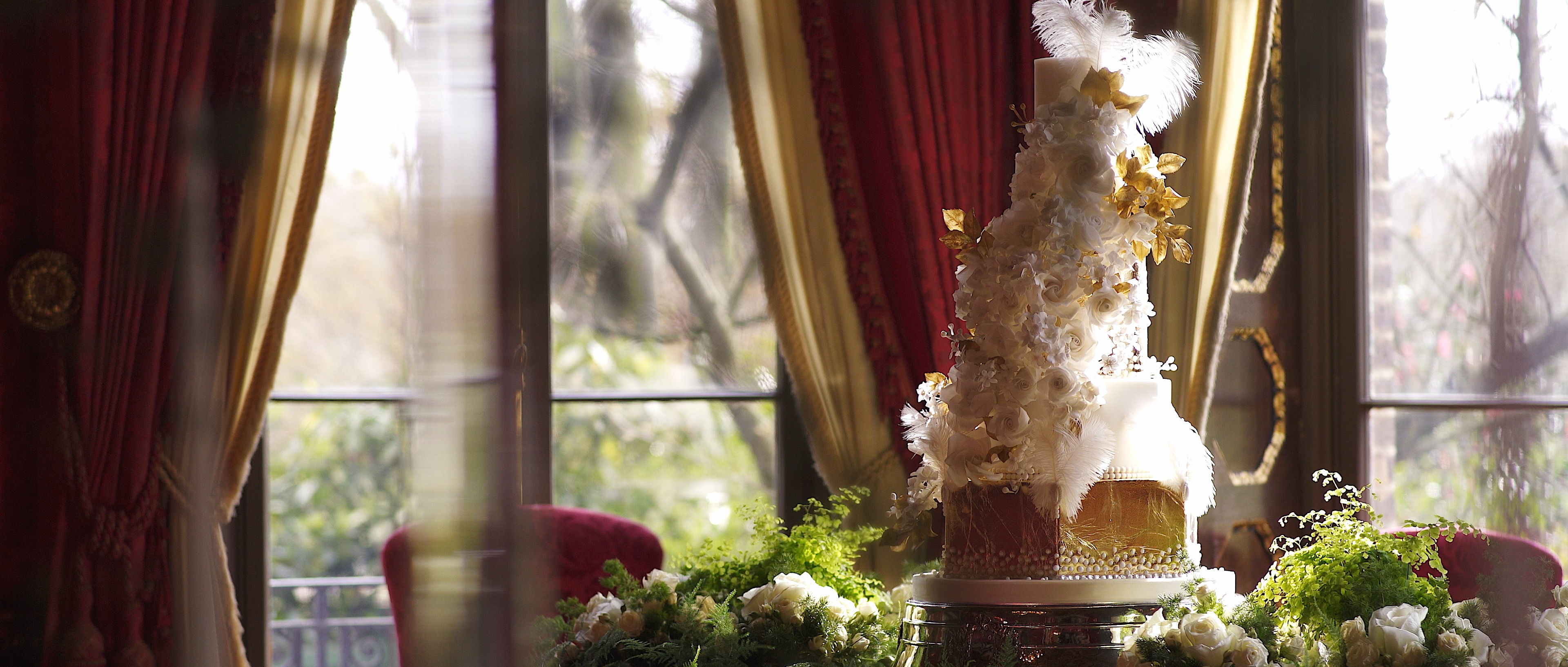 WEDDING AT THE RITZ LONDON CAKES BY KRISHANTHI