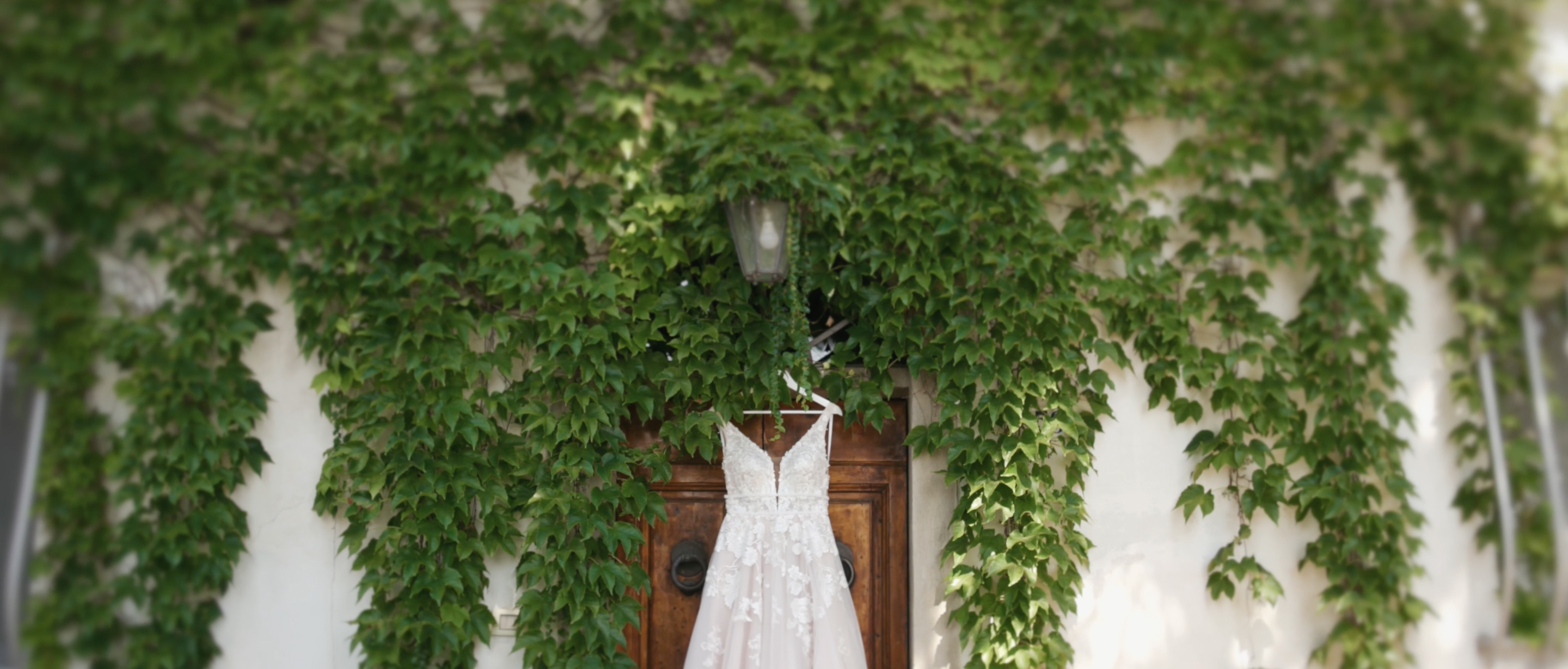 Antica Fattoria di Paterno Wedding Essense of Australia dress