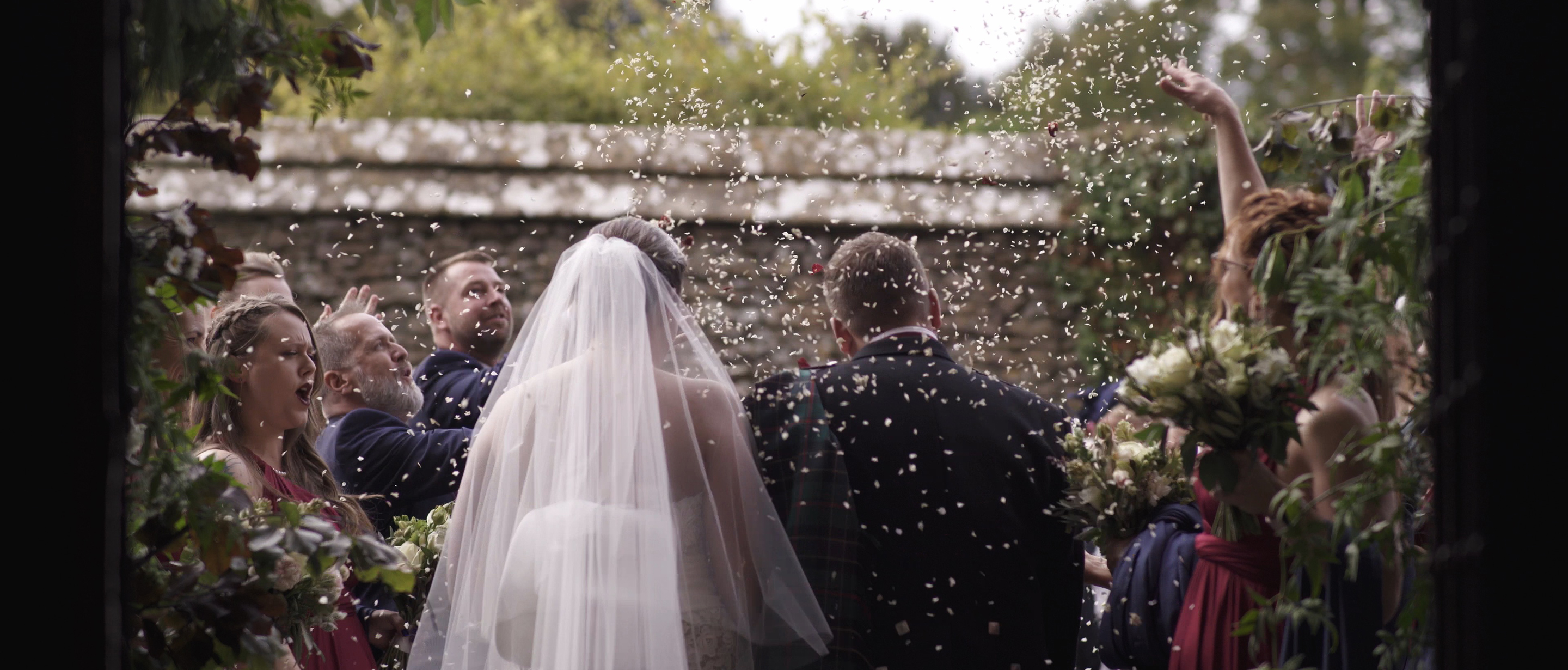 confetti shot wedding