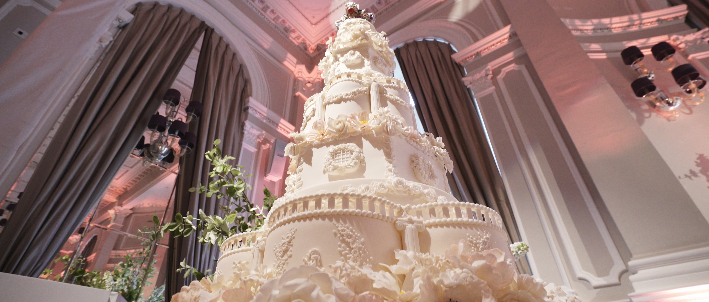 the corinthia hotel wedding cake 4